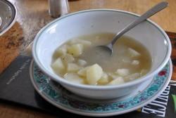 Navadna krompirjeva juha