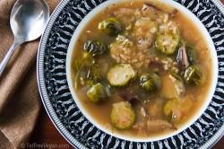 Zelenjavna juha z brstičnim ohrovtom