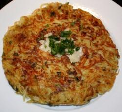 Krompirjeva palačinka s parmezanom