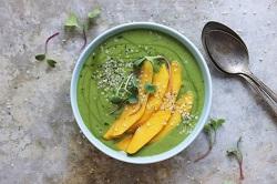 Zeleni smoothie s konoplinim semenom